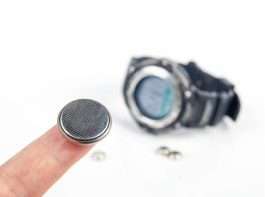 Wymiana baterii w zegarku a gwarancja – co musisz wiedzieć